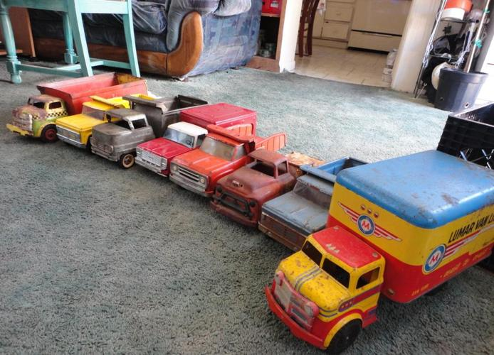 huge lot of antique toy trucks ne albuquerque for sale in albuquerque new mexico classified. Black Bedroom Furniture Sets. Home Design Ideas