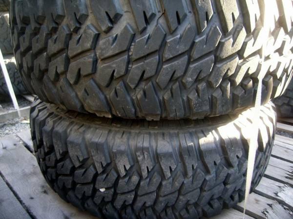 Humvee Hummer Military tires on 8 lug beadlock wheels 37-1250-16 5 - $100