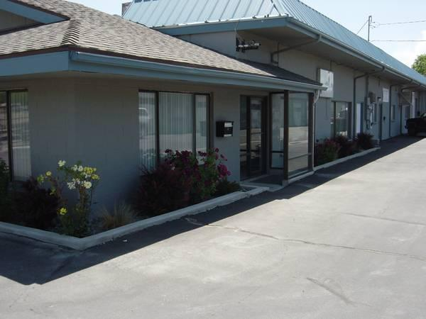 Hwy 50 E Showroom Office Warehouse For Sale In Carson