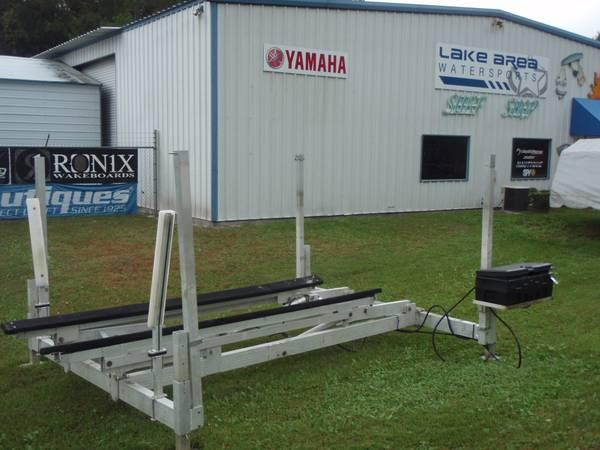Hydraulic hewitt boat lift for sale in melrose florida for Boat lift motors for sale