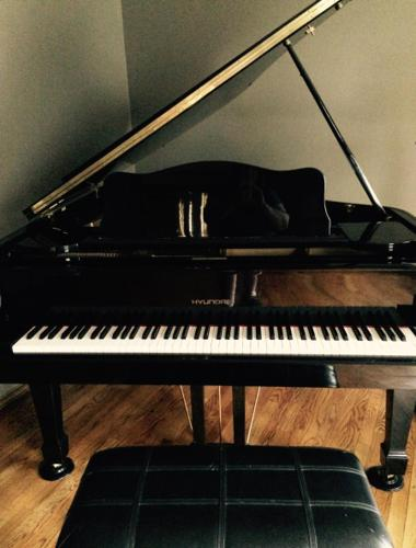 Hyundai Grand Piano For Sale In Saint Charles Missouri