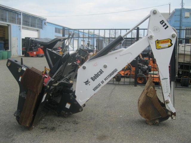 i 5061 Skid Steer Attachment - Bobcat 811 Backhoe Attachment