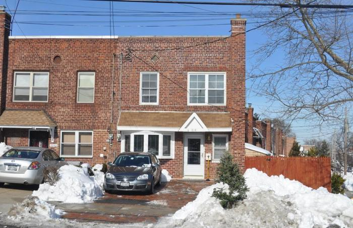 ID# 1233162 Great Opportunity In Jackson Heights!