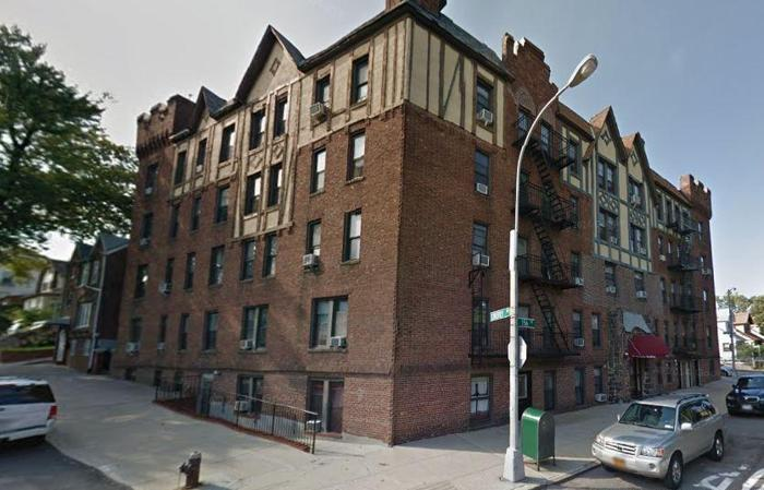 ID #1236139 Large And Spacious 3 Room Commercial Mixed