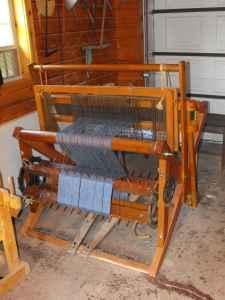 Ideal 2-harness floor loom - (Bentonsport, IA) for Sale in Ottumwa