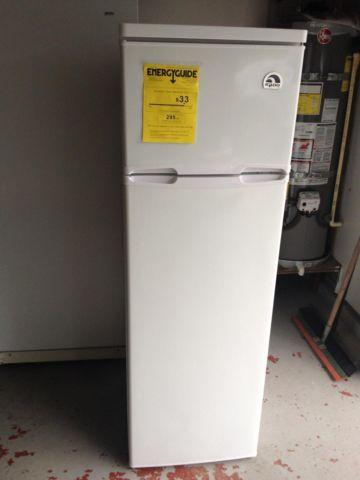 Igoo Apartment size Refrigerator for Sale in Richmond, California ...