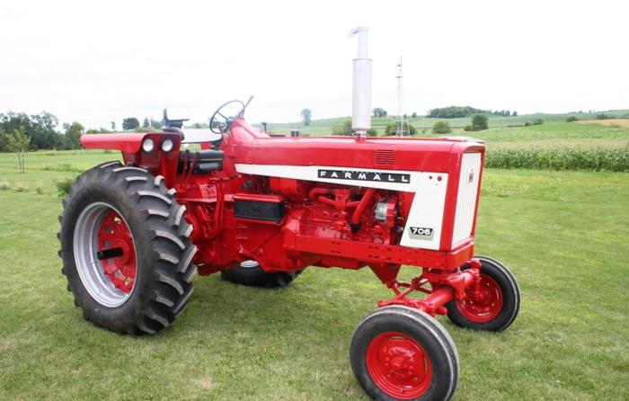 International 574 Tractor Seat : Ih farmall anamosa for sale in waterloo iowa