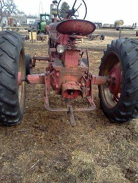 IHC 450 Farmall - $2800 (Kindred, ND)
