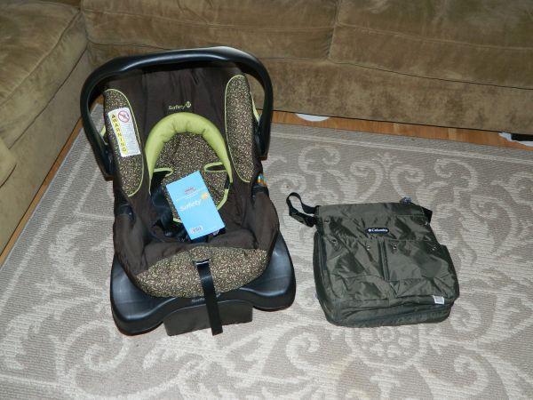 infant car seat and diaper bag eagle river for sale in anchorage alaska classified. Black Bedroom Furniture Sets. Home Design Ideas