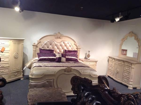 INFINITY ANTIQUE 7 PC KING SIZE BED ROOM SET for Sale in High