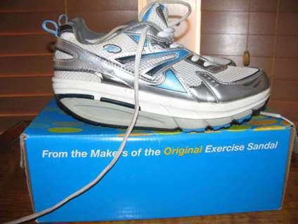 Inspire Fitness Walker sneakers by Dr. Scholl's Womens