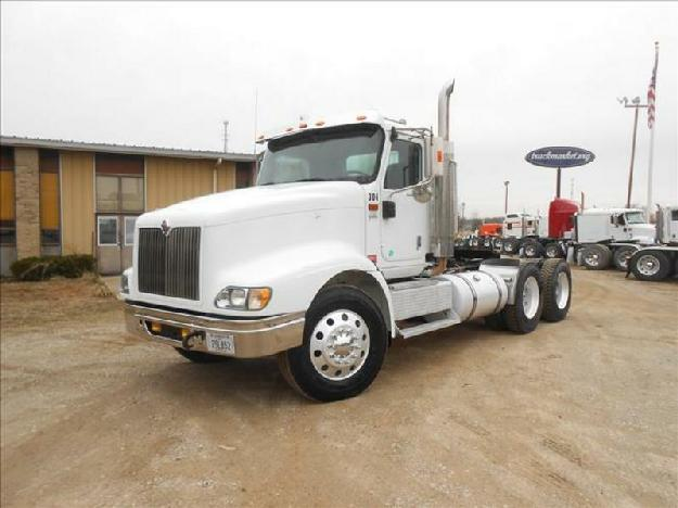 International 9400i tandem axle daycab for sale