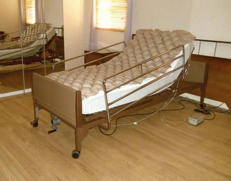INVACARE ELECTRIC HOSPITAL BED PACKAGE? LIKE NEW! for Sale ...