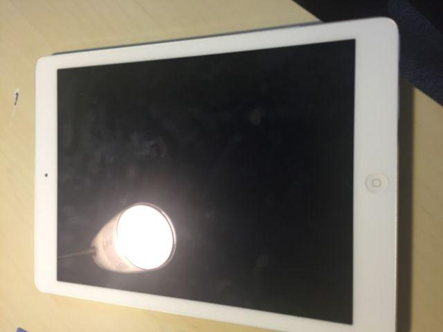 iPad Air For Sale In excellent Condition