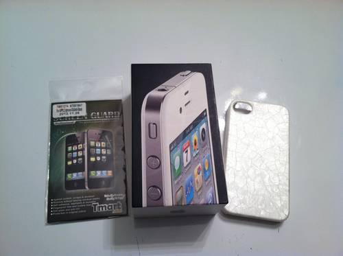 iPhone 4 32g in Box with New Accessories