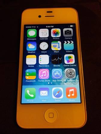 iPhone 4S white att 16 gig comes with straight talk SIM card - $250