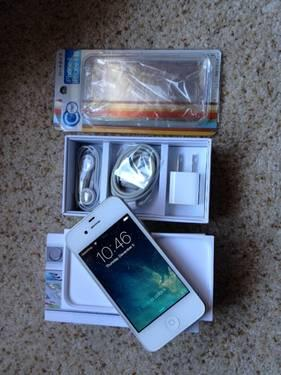iPhone 5S 32GB factory unlocked (space gray) - works w/