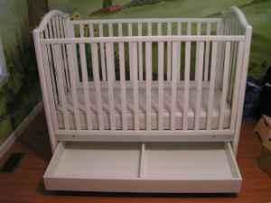 Italian Baby Crib W Pooh Accesories Kershaw Sc For