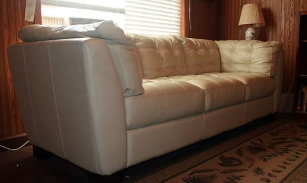 Chateau Dax Furniture Reviews: ITALIAN CHATEAU D'AX LEATHER SOFA