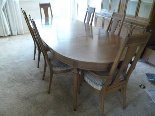 ITALIAN PROVINCIAL DINING SET BY WEIMAN FURNITURE