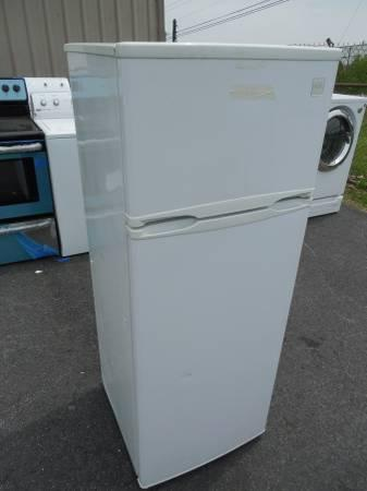 Its here @ the outlet Avanti Apartment Size White Used ...