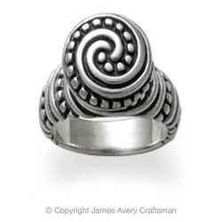 James Avery hours and James Avery locations along with phone number and map with driving directions.