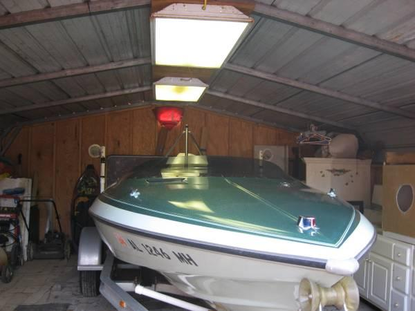 james bond style glastron beauty speed boat for sale in gulf shores alabama classified. Black Bedroom Furniture Sets. Home Design Ideas