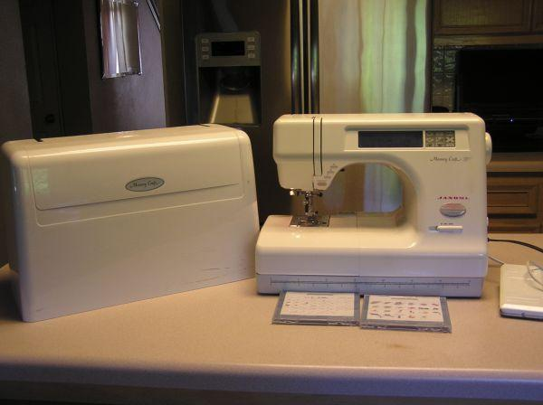 Janomi Memory Craft sewing machine - $200 (Round Rock)