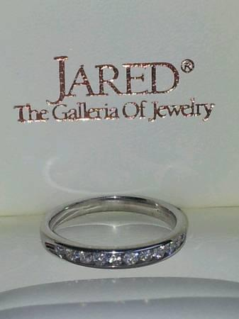 JAREDS 14K 12 Ct CHANNEL SET DIAMOND WHITE GOLD WEDDING BAND