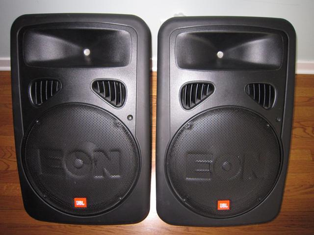 jbl eon g2 400 watt power speakers 2 with carry bags for sale in sandusky ohio classified. Black Bedroom Furniture Sets. Home Design Ideas