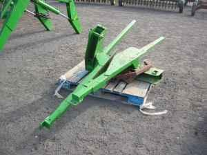 JD 260 loader - $2750 (Lisco)