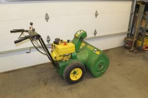 JD SNOWBLOWER - $375 (Duluth)