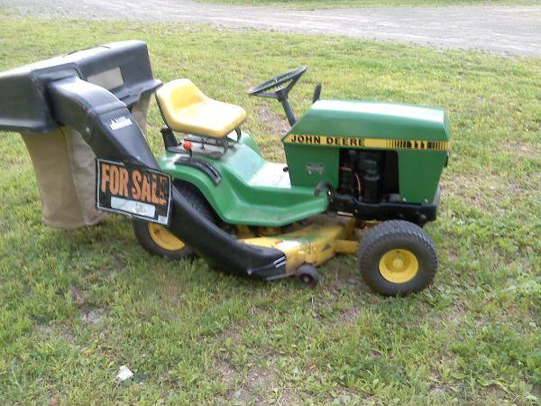 John Deere 111 Riding Lawn Mower w sweeper - $900 Oxford, ny
