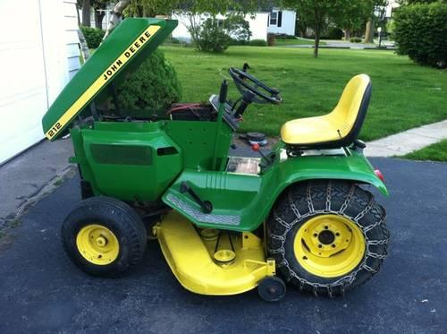 John Deere 212 w/ attachments