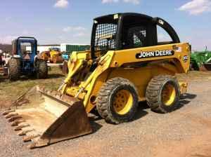 john deere 260 skid steer loader, 3000 lbs lift, 72 horse power - $16900  (west chester)