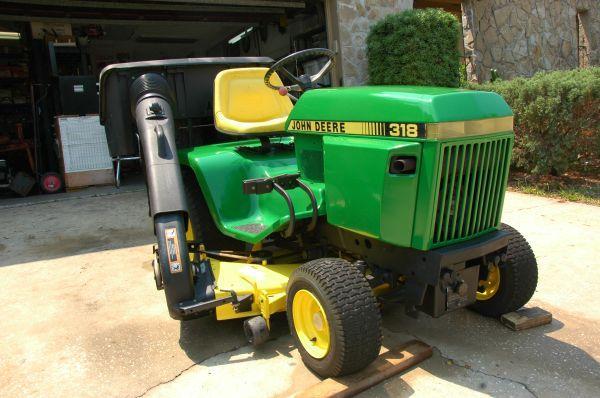 John Deere 318 Lawn Amp Garden Tractor With Power Bagger