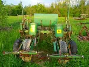 John Deere 80 2 Row No Till Corn Planter Pull Type Paint Lick
