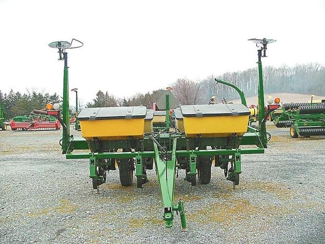 john deere corn planter 7200, 4 row