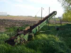 John Deere elevator for bales or? - $200 (sherburn mn