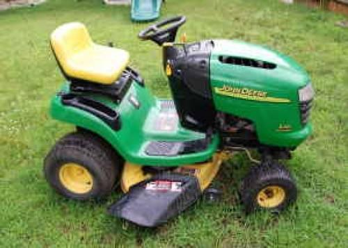 John Deere L-110 Lawn Tractor Mower  Ready to MOW
