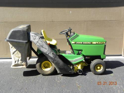 John Deere LX173 Lawn Tractor with Rear Bagger  Utility Cart