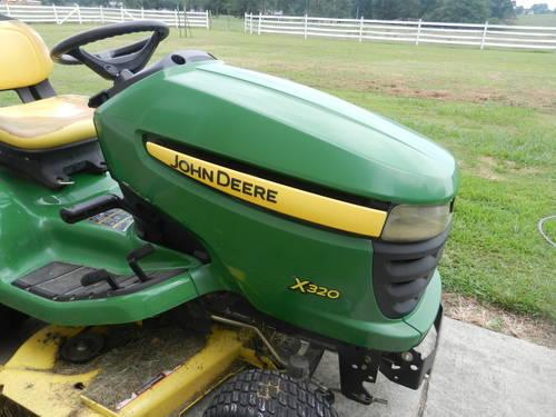John Deere Mower x320-Riding