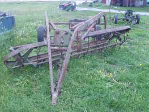 john deere side delivery 4 bar hay rake - $350 (mount