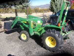 John Deere Tractor Model 770 Loader 4x4 28 Hp 400 Hours