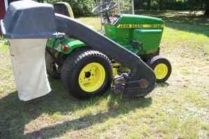 John Deere 317 Garden Tractor With Power Flow Bagger