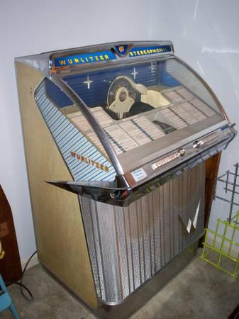 JUKEBOX - WURLITZER MODEL 2310S - $1200