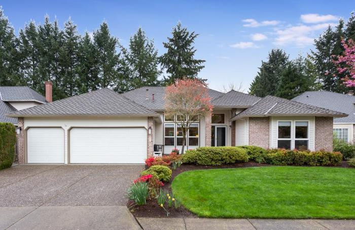 JUST LISTED! Immaculate One-Level Traditional