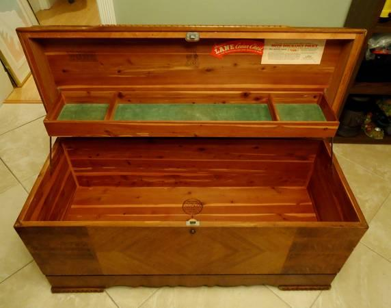 Lane Cedar Sweetheart Hope Chest For Sale In Texas Classifieds U0026 Buy And  Sell In Texas   Americanlisted