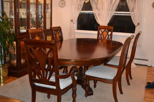 Kathy Ireland Dining Room Set for Sale in Waldwick, New ...