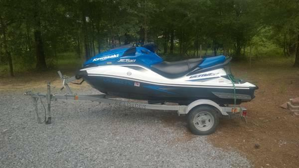 Kawasaki JET SKI 3 Seater Four Stroke LOW Hours - $5000